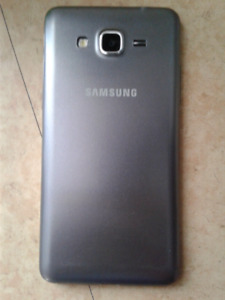 Samsung galaxy Grand Prime 8G gris + chargeur
