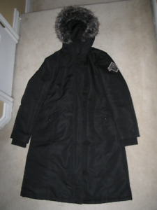 Woman's Beaver Canoe Long Black Winter Jacket