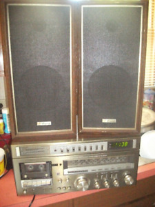 YORK STEREO AND SPEAKERS