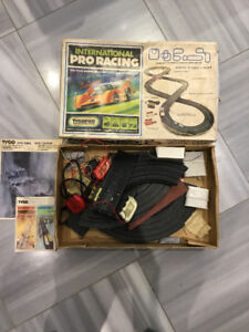 TycoPro International Pro Racing Set with TJET Controllers