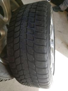 4 pneus avec jantes . Hiver