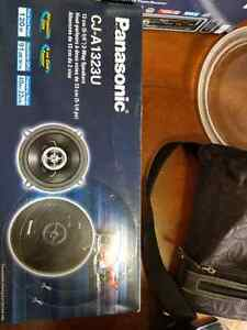BNIB Car stereo with remote and speakers