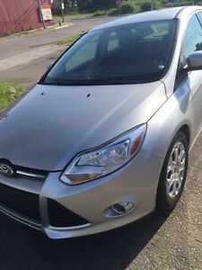 2012 Ford Focus SE Hatchback Sport, low km! Reduced