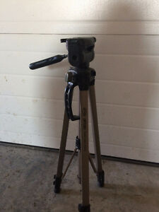Optex   photo/video/digital tripod $40  obo