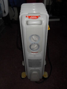 Honeywell Electric Heater - Oil filled electric heater - 3 fins
