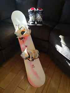 Woman's SIMS Snowboard, Bindings, Boots and Soft Travel Bag