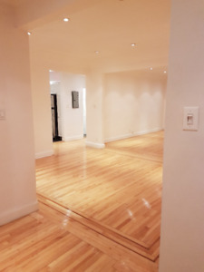 ***BRIGHT 2 BED/5.5 LOFTS -ALL INCL - RENOVATED - 1 MTH FREE!***