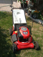 Gas lawn mower CRAFTSMAN   in perfect   condition