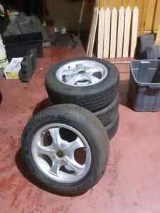 Rims and tires 215/60/R16 M+S Almost New