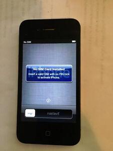 Iphone 4 SaskTel Carrier16 GB