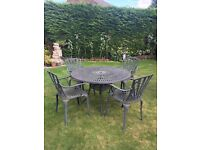 Garden cast iron table & 4 chairs