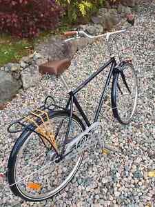 VIVA MENS BIKE - HIGH END TOURING BICYCLE St. John's Newfoundland image 2