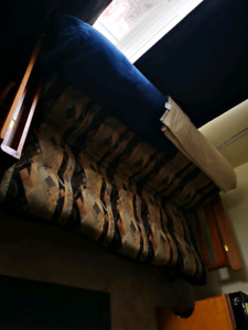Futon fold out couch