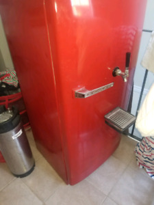 Retro beer fridge kegerator keg