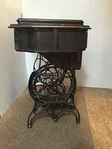1890's Eldredge B Treadle Sewing Machine in cabinet Strathcona County Edmonton Area image 6