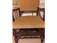 6 Solid Oak Dinning Room Chairs (2 carver chairs with arm rests)