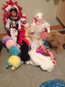 Stuffed animals and dolls London Ontario image 1