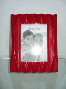 CLAIR DE LUNE RED MODERN PHOTO/PICTURE FRAME - NEW WITH TAGS Cornwall Ontario image 9