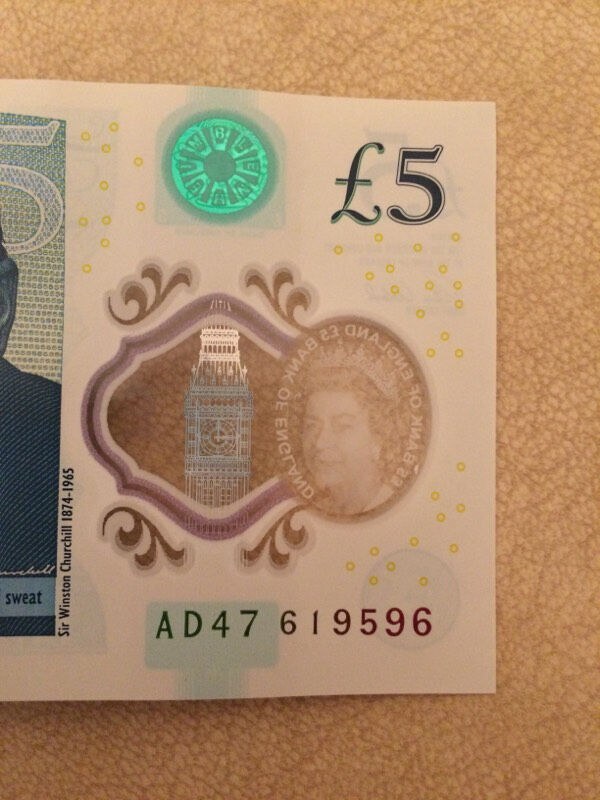 AD47 Genuine new £5 note