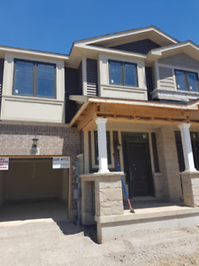 Rental 2 storey - Townhome 3 beds 2.5 baths