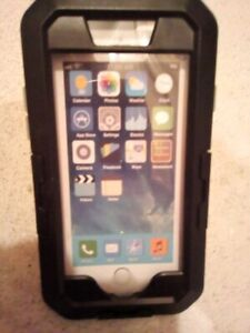 Great *NEW* Cell Phone Waterproof Case with mount!