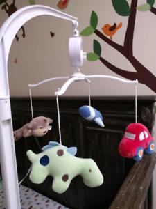 Crib musical mobile and matching comforter