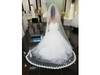 Beautiful size 10 wedding dress