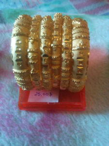 Pakistani/Indian Bangles/bracelets and Necklaces gold color!!