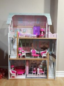 Doll house forsale
