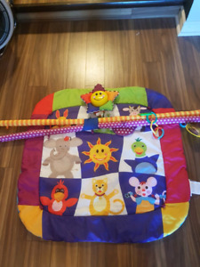 Play mat with lights
