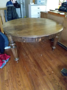 Antique Table with 2 leafs pick up today for 60.00