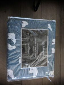 Queen sized flannel Bedsheets. NEVER USED