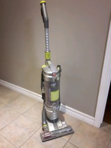 Hoover Windtunel Air upright vaccume