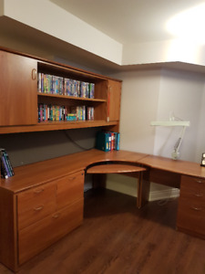 HIGH END  OFFICE CORNER UNIT W/TABLE AND SIDE CABINETS