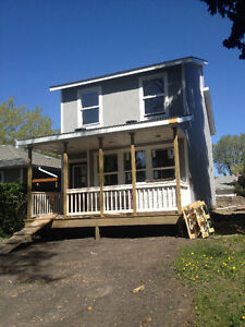BONNIE DOON beauty;2bdrm lower;NEW hse;Location;$899