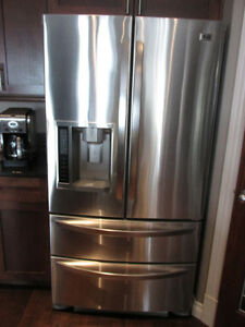 LG 24.7 CU FT STAINLESS STEEL FRENCH  DOOR REFRIGERATOR