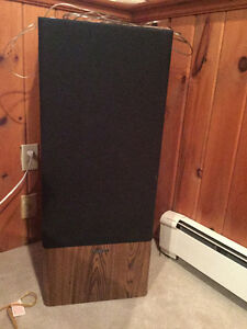 Large Kenwood Speakers - Set of 2