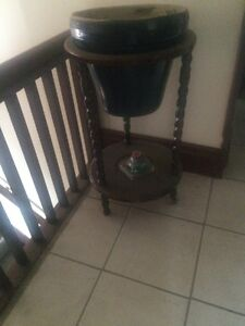 $30!! Antique solid wood planter