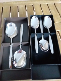 Used mid century 6 x dessert spoons and 2x matching serving spoons