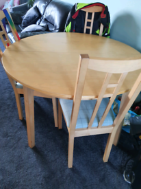 4/8 seater extendable table