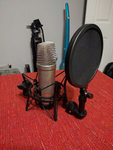 Rode NT1A - Condenser Microphone for High Quality Recording