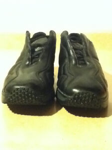 Women's Rieker Leather Shoes Size 7.5 London Ontario image 4