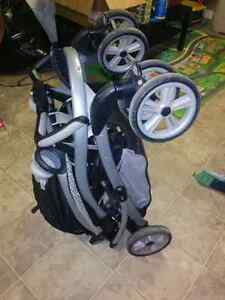 Quattro Tour® Duo Classic Connect™ Stroller   Kitchener / Waterloo Kitchener Area image 4