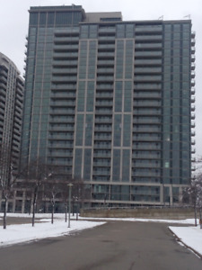 Luxurious Condo at Rathburn and Confederation Parkway
