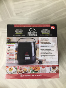 "BRAND NEW IN BOX ""PERFECT COOKER"""