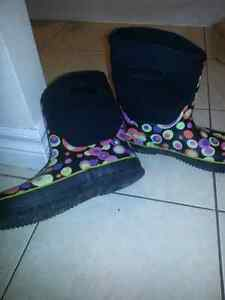 Size 6a ladies  rubber boots like new Cambridge Kitchener Area image 1