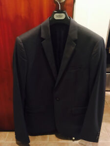 TOPMAN BRAND NEW CHARCOAL GRAY SUIT FOR SALE