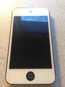 iPod Touch 4th gn. 32GB