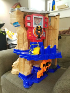 Fisher Price Rescue Heroes Mountain Action Command Center