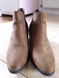 Boots suede tan